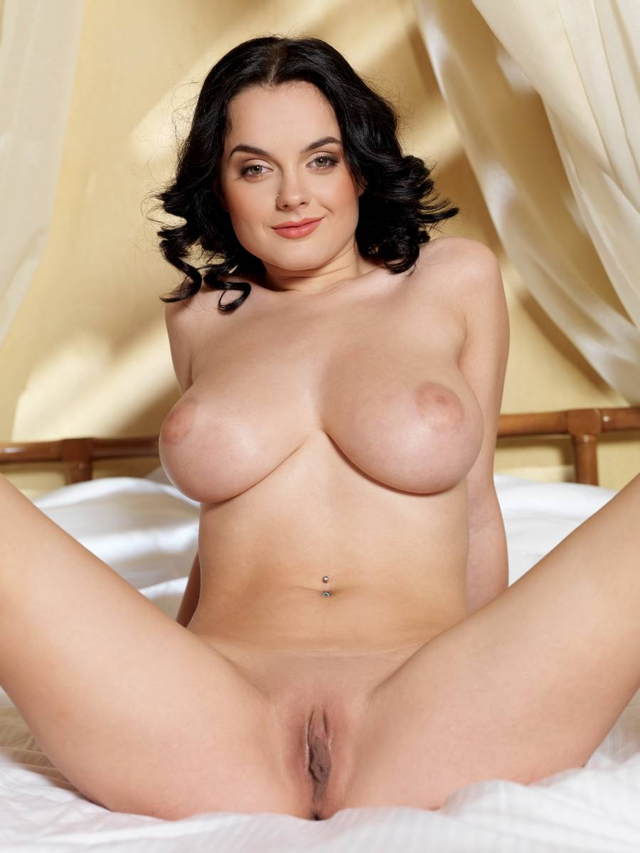 Lana in archer nude porn free adult picture
